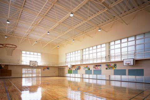 小学校体育館/1階建